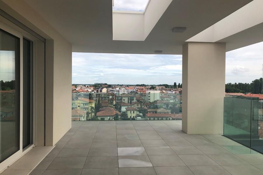 terrazzo attico (2) - APPARTAMENTO ATTICO VENEZIA (VE) MESTRE, CENTRO