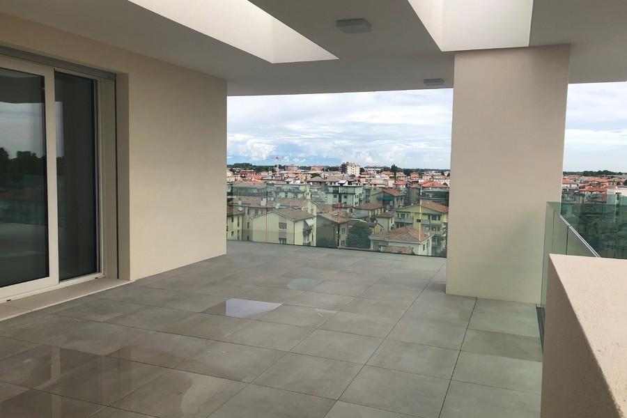 terrazzo attico (3) - APPARTAMENTO ATTICO VENEZIA (VE) MESTRE, CENTRO
